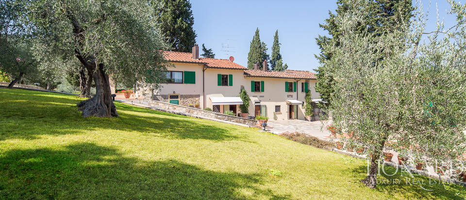 Luxury farmstead a few kilometres from Florence Image 1