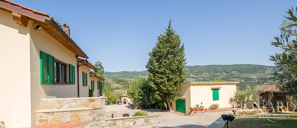 Luxury farmstead a few kilometres from Florence Image 59