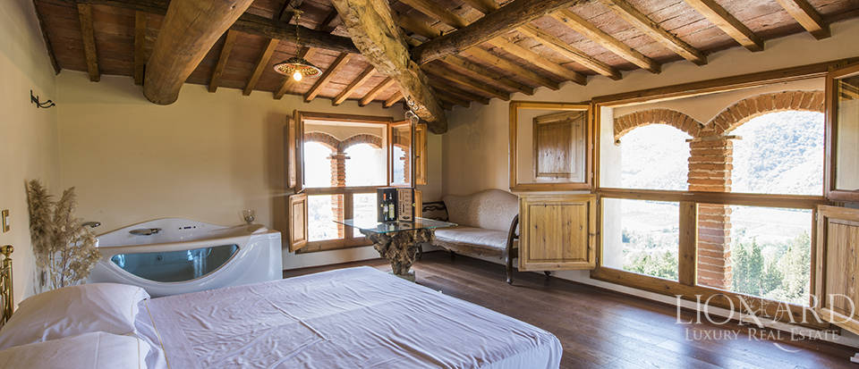 Luxury estate for sale in Florence