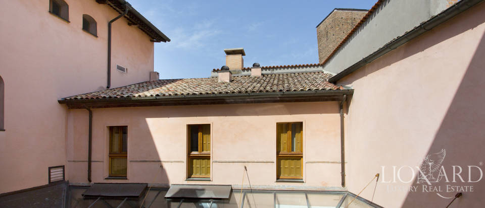 Period estate for sale in Ravenna Image 34