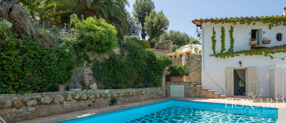 Dream villa with swimming pool for sale on Mount Argentario Image 2