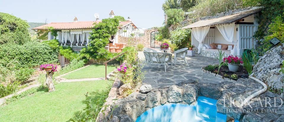 Dream villa with swimming pool for sale on Mount Argentario Image 51