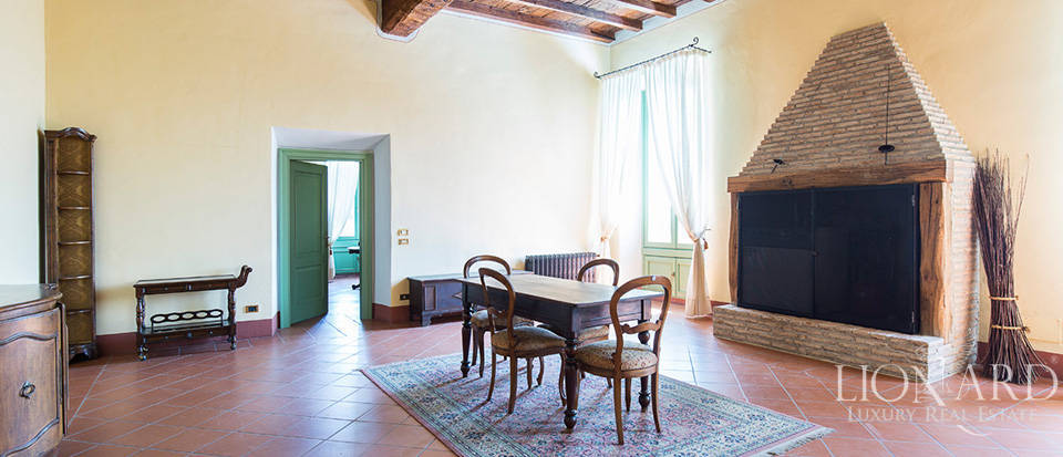 Historical villa for sale in Lombardy Image 13