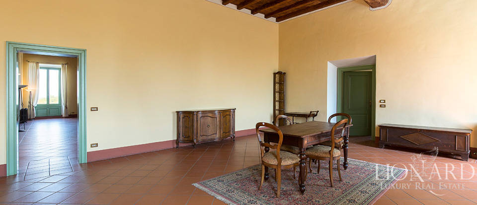 Historical villa for sale in Lombardy Image 14