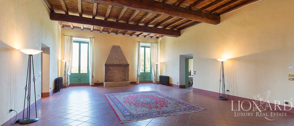 Historical villa for sale in Lombardy Image 17
