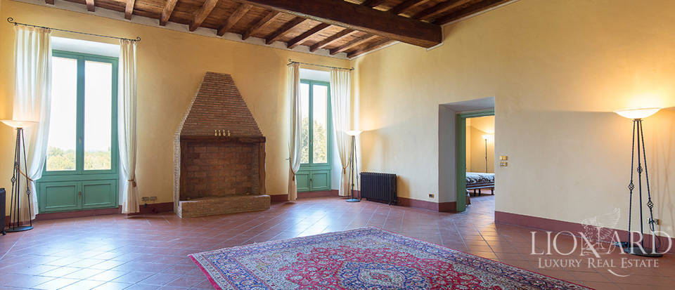 Historical villa for sale in Lombardy Image 19