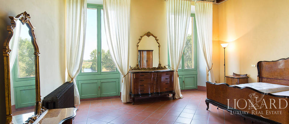 Historical villa for sale in Lombardy Image 27