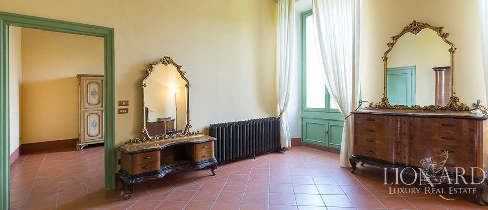 Historical villa for sale in Lombardy Image 29