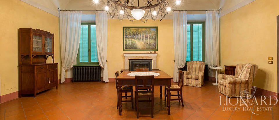 Historical villa for sale in Lombardy Image 30