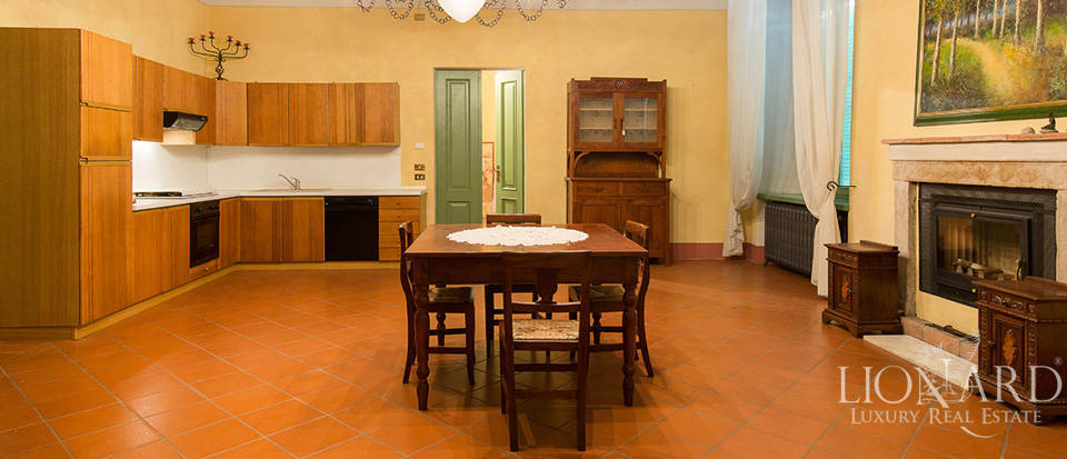 Historical villa for sale in Lombardy Image 32