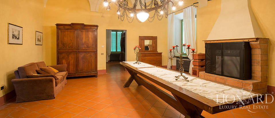 Historical villa for sale in Lombardy Image 34