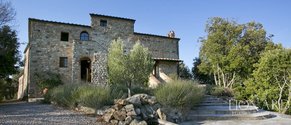 Wonderful tuscan farmhouse for sale Image 10