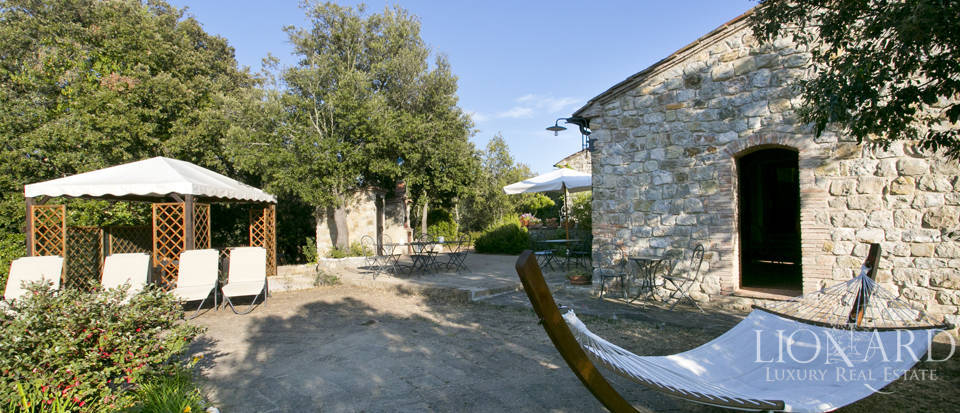 Wonderful tuscan farmhouse for sale Image 12