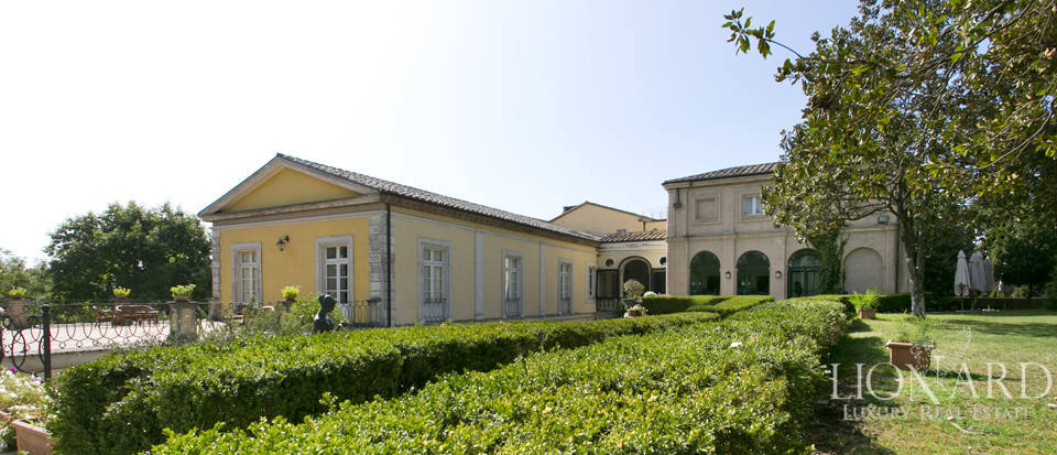 stunning building for sale in viterbo