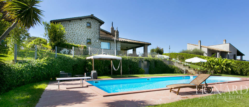 Villa for sale by Lake Bracciano Image 1