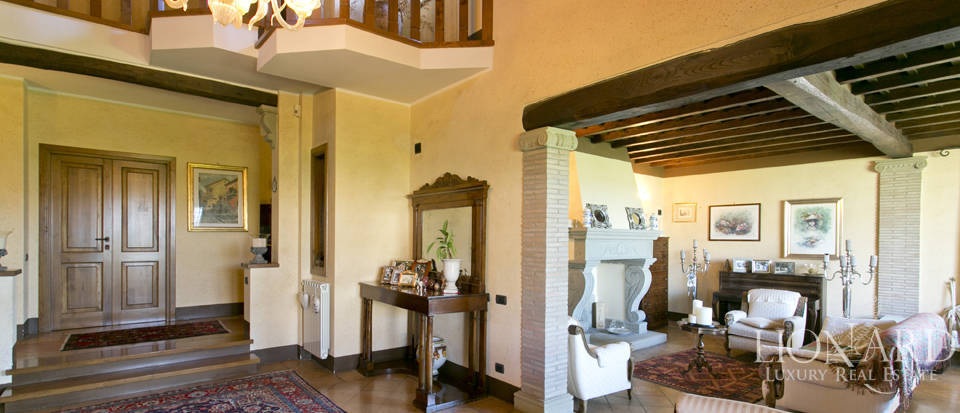Villa for sale in Bracciano Image 32