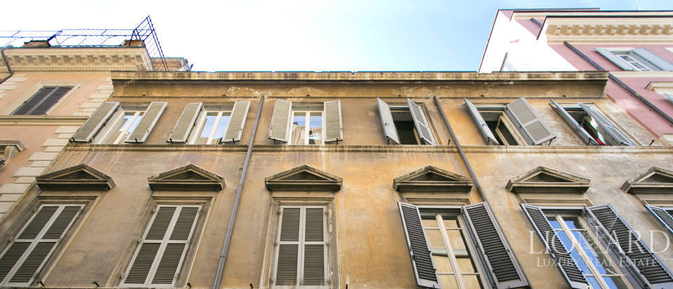 Apartment for sale in the centre of Rome Image 3