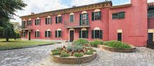 magnificent farmstead for sale in the monferrato area