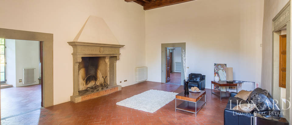 Luxury villa for sale in Florence Image 11