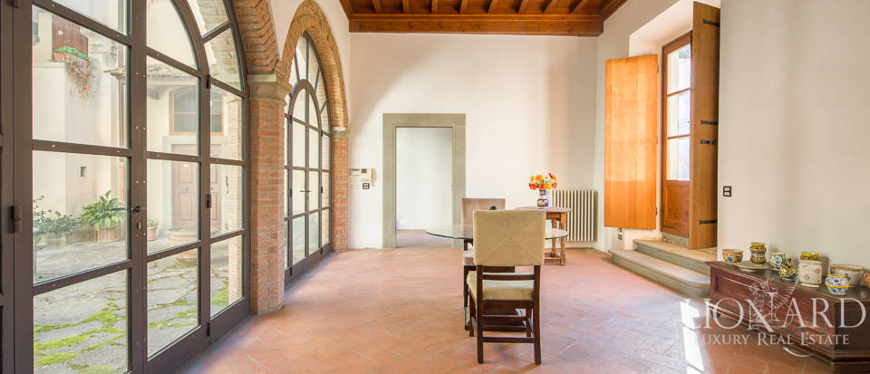 Luxury villa for sale in Florence Image 15