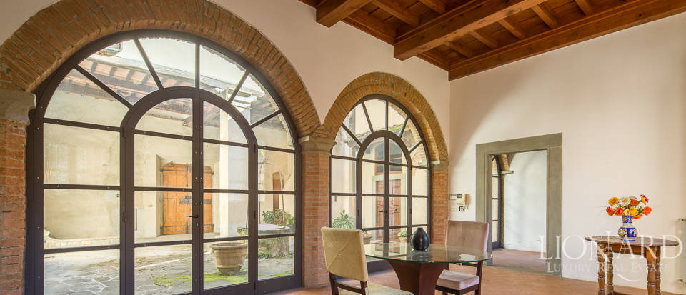 Luxury villa for sale in Florence Image 16