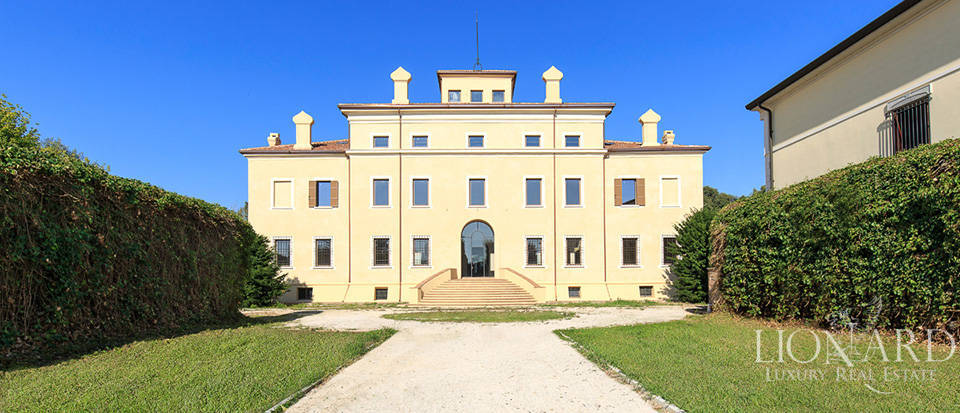 wonderful palace for sale in the province of mantua