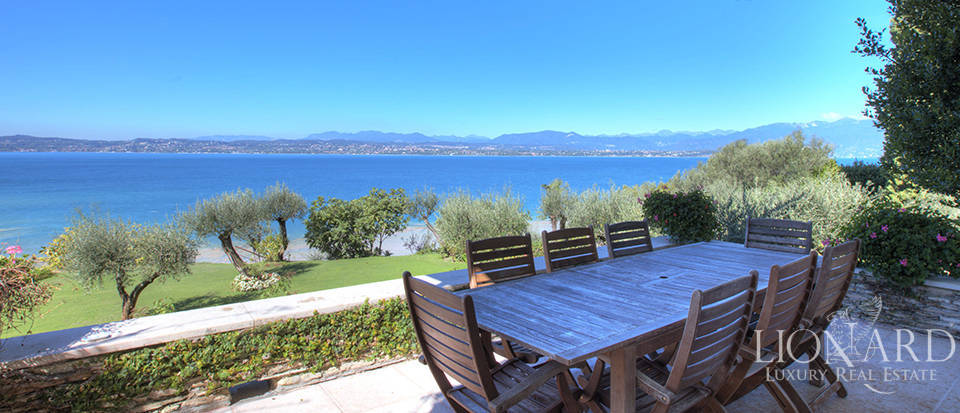 Villa for sale in Sirmione Image 32
