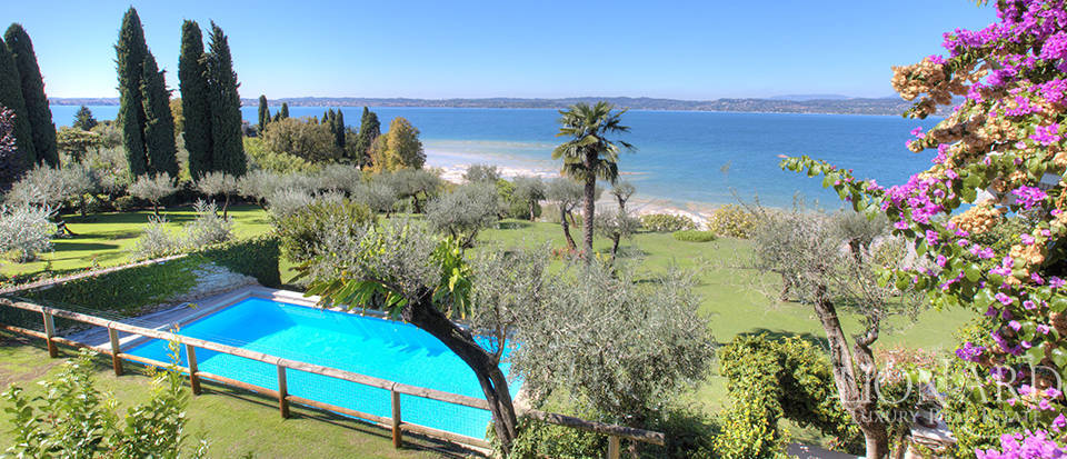 Villa for sale in Sirmione Image 41