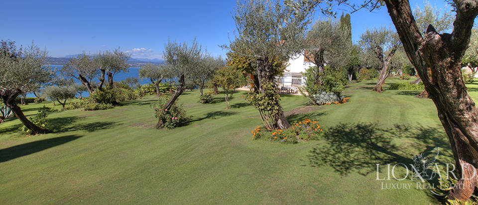 Villa for sale in Sirmione Image 14