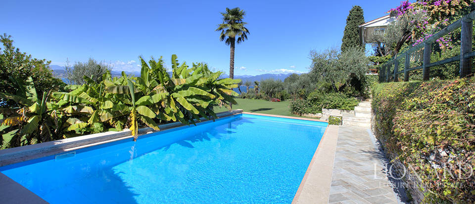 Villa for sale in Sirmione Image 16