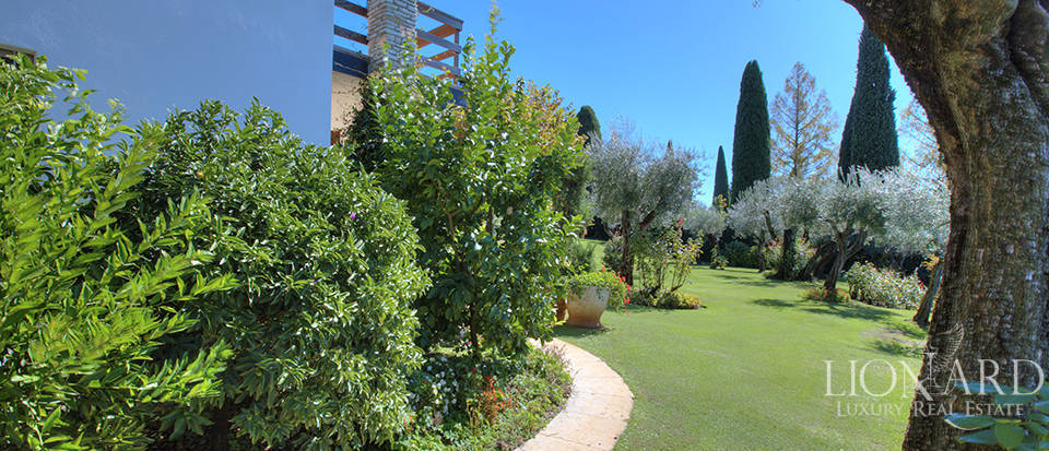 Villa for sale in Sirmione Image 12