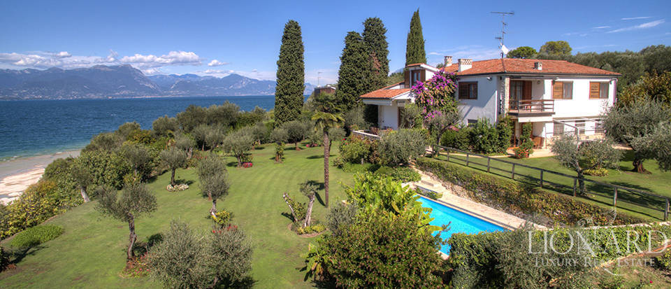 Villa for sale in Sirmione Image 2