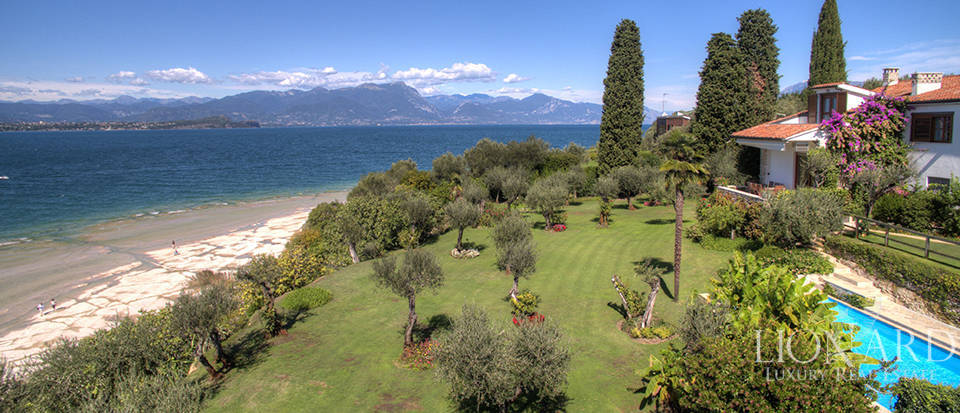 Villa for sale in Sirmione Image 4