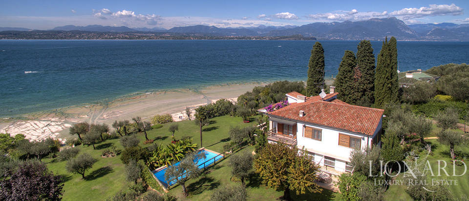 Villa for sale in Sirmione Image 48