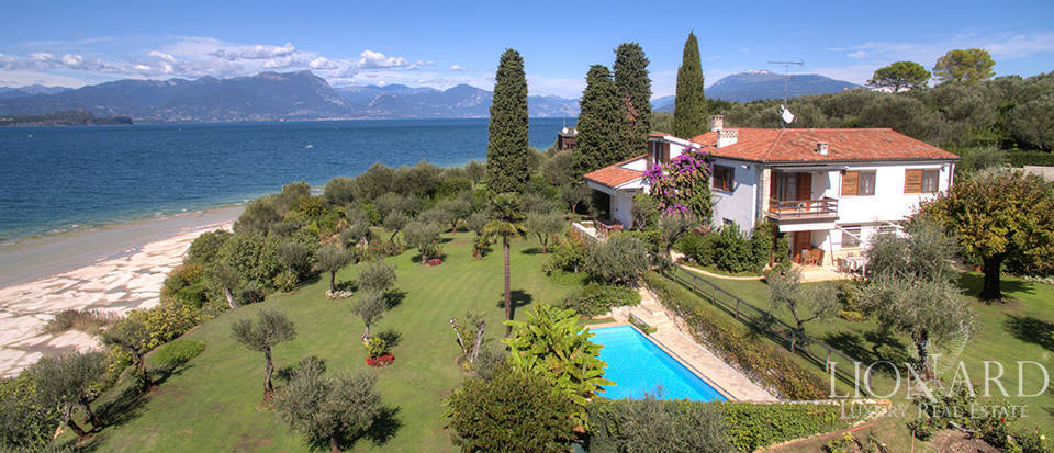 Villa for sale in Sirmione Image 1