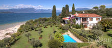 villa with swimming pool for sale in sirmione