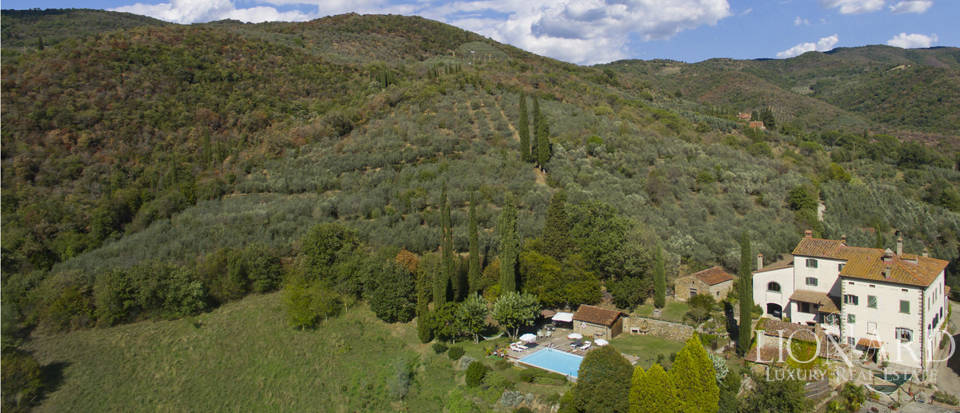 Wonderful tuscan villa for sale Image 7