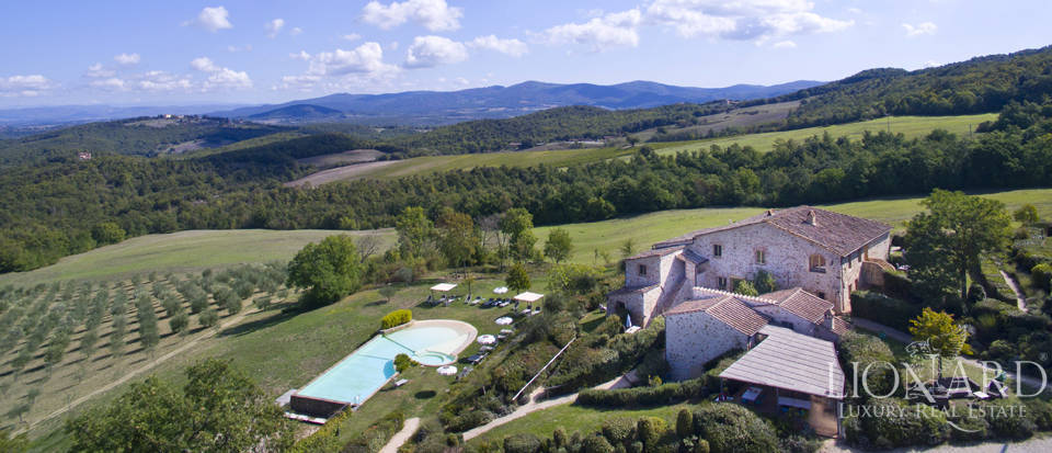 Estate for sale near Siena Image 10