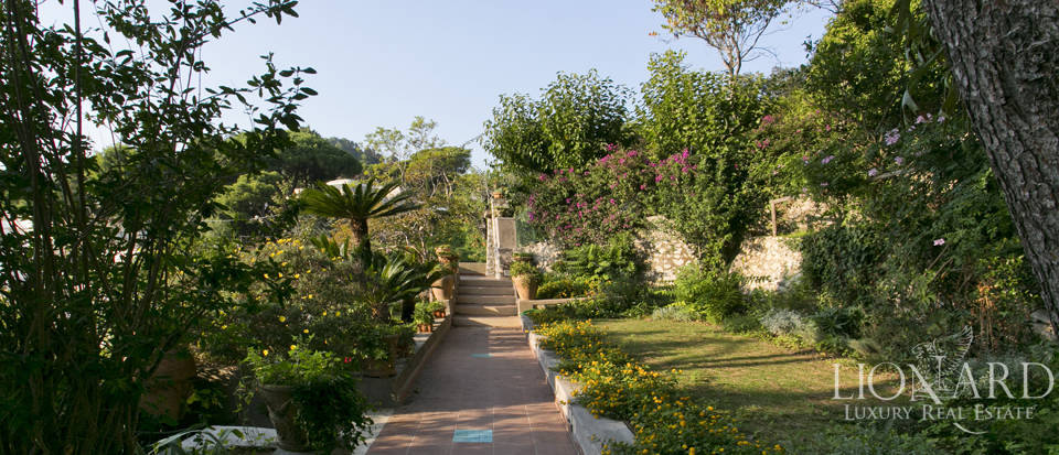 Villa for sale in Capri Image 11