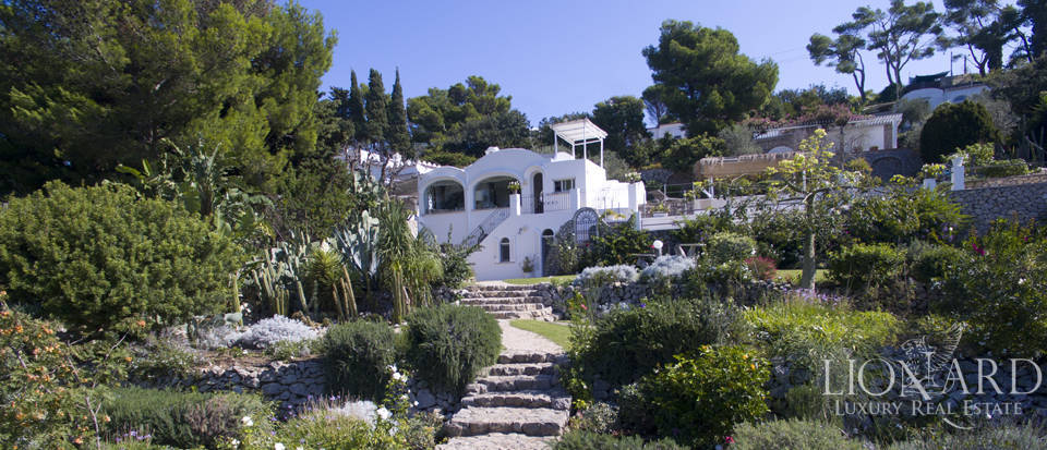 Villa for sale in Capri Image 3