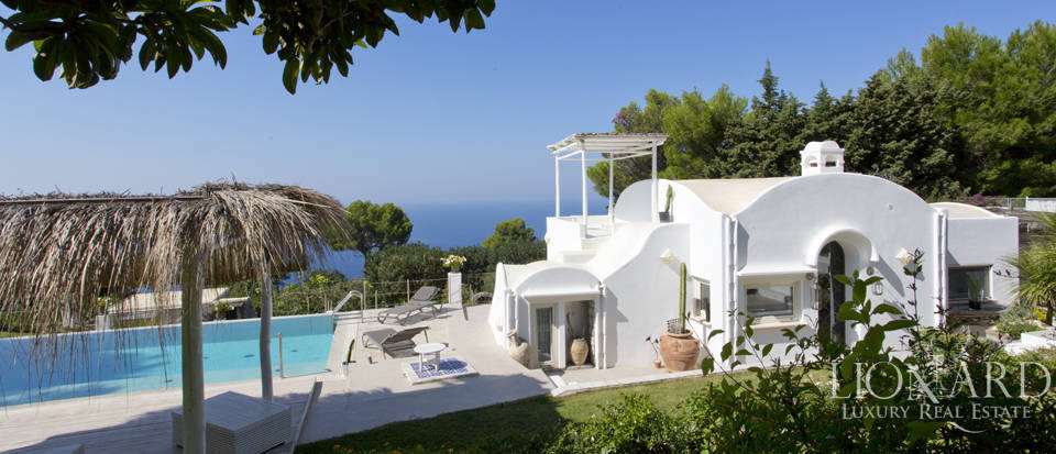 Villa for sale in Capri Image 10