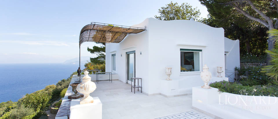 Villa for sale by Capri