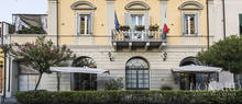 wonderful hotel for sale in pietrasanta