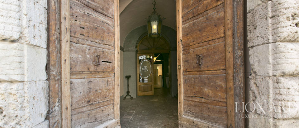 Wonderful historical estate for sale in the heart of Assisi in Umbria Image 71