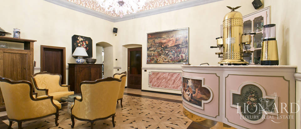 Wonderful historical estate for sale in the heart of Assisi in Umbria Image 50