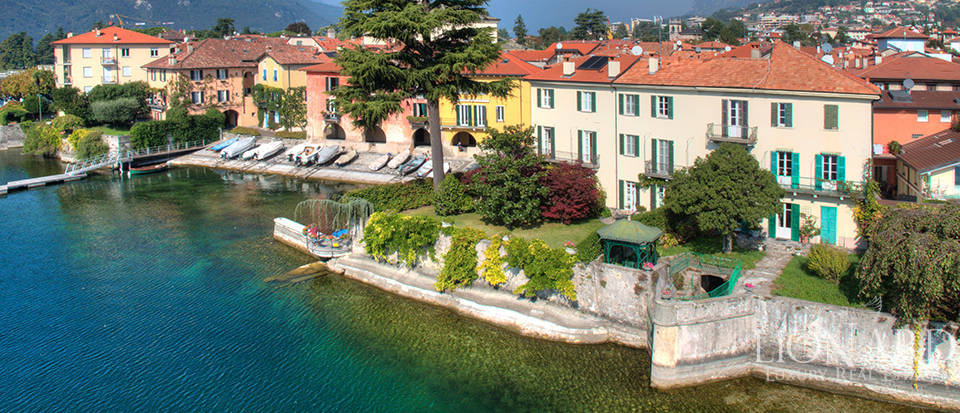 wonderful lake-front villa by lake como