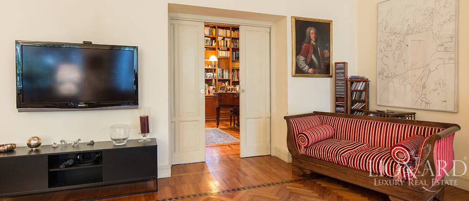 Villa for sale in Milan Image 24