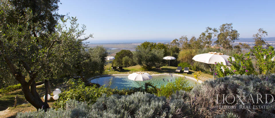 Luxury villa with swimming pool in Maremma Image 10