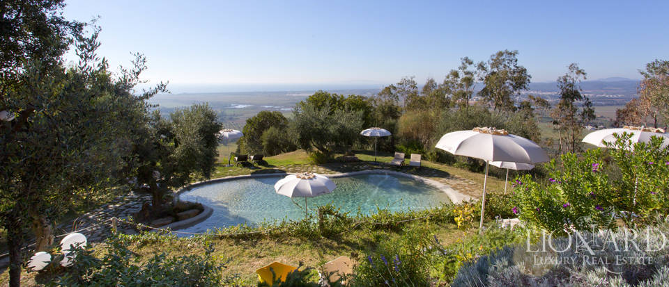 Luxury villa with swimming pool in Maremma Image 12