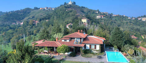 luxurious villa for sale in the heart of brianza